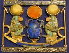 scarabée-bleu-égyptien.jpg